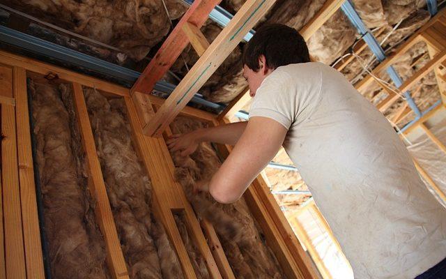 Quel est le meilleur isolant pour toiture ? Guide complet