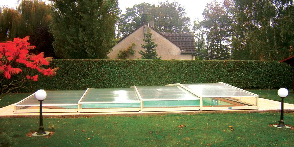abri plat pour un piscine