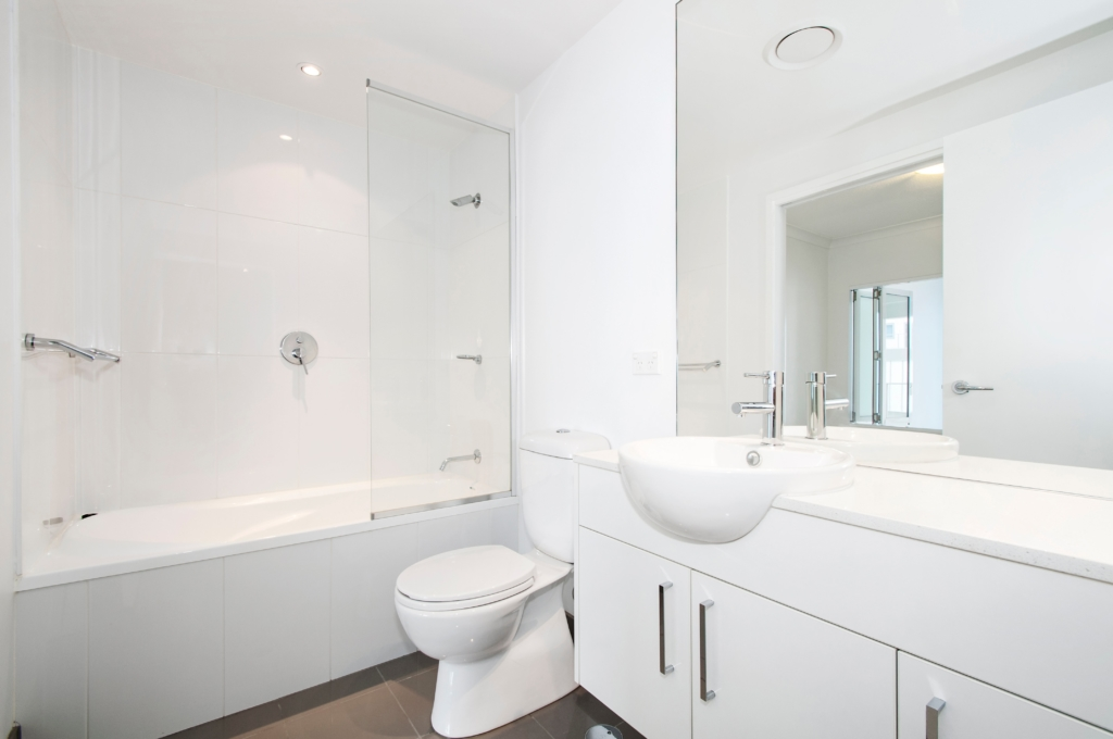 carrelage blanc pour une salle de bain