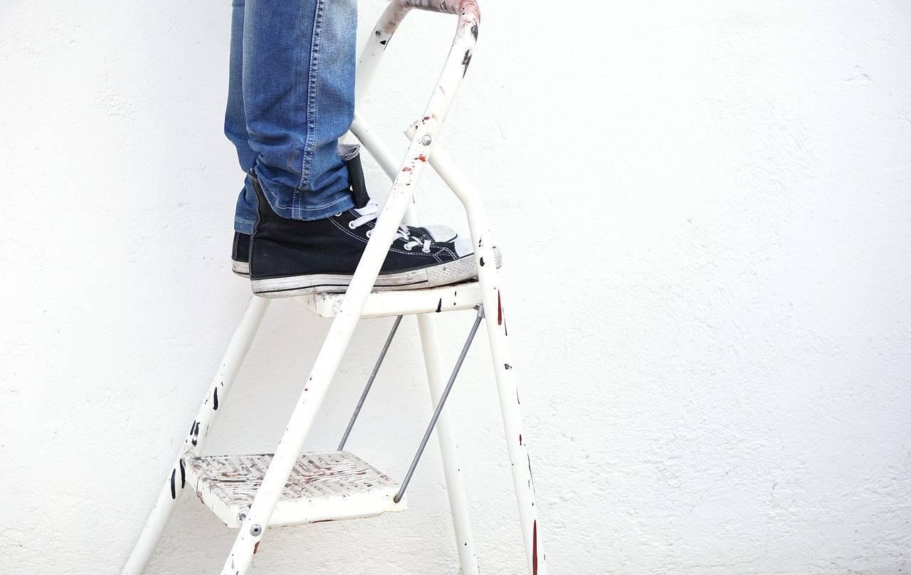 renover mur soi meme ; peinture maison ; papier peint